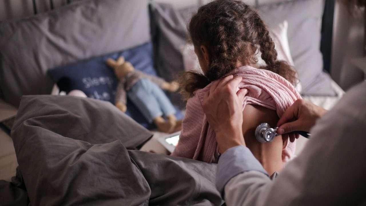 foto infermiere pediatrico